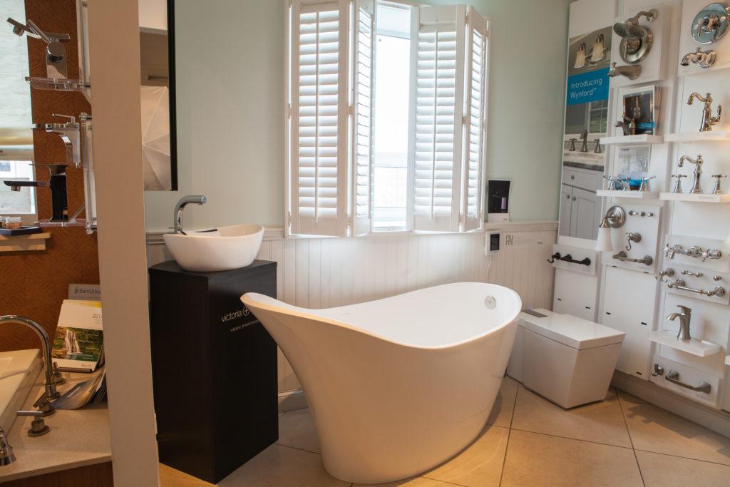 Freestanding tub | bathroom vanities | Weinstein Supply Collegeville