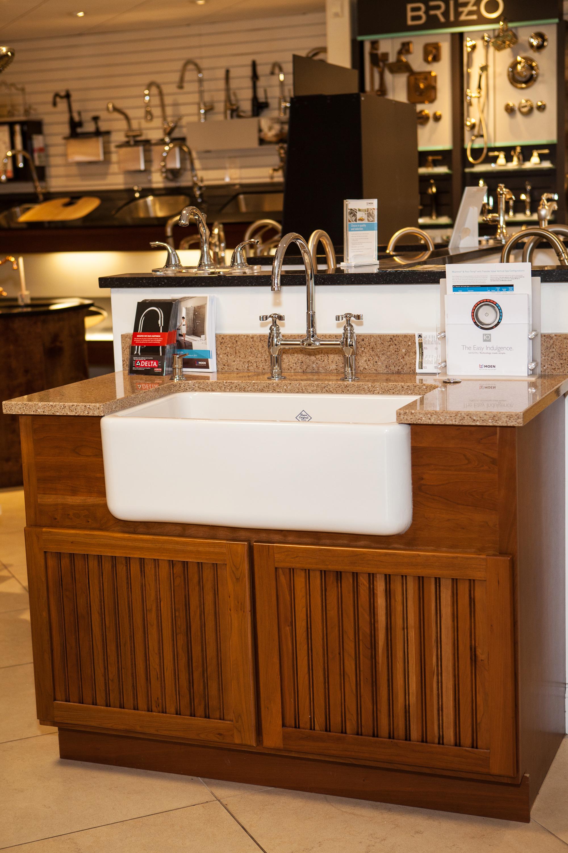 Kitchen design showroom gallery collegeville weinstein for Weinstein kitchen and bath
