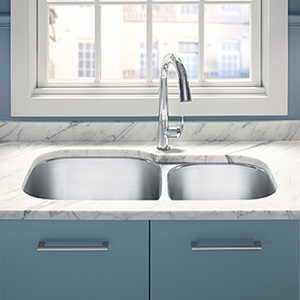 Moen Kitchen Sinks & Accessories
