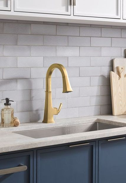 Kohler Riff kitchen faucet in brushed modern brass | kitchen faucet collections | Weinstein Collegeville